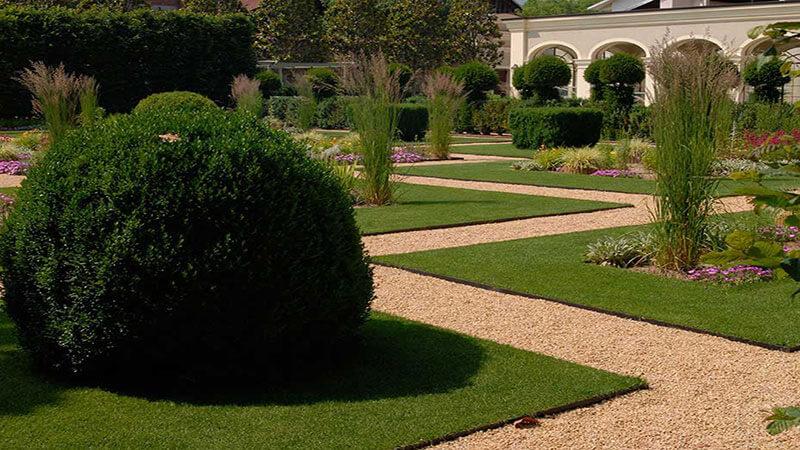 Restauro giardino grosso canavese con tappeto erboso a rotoli for Tappeto erboso a rotoli