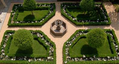 giardino realizzato da Paradello con tappeto erboso pre-coltivato