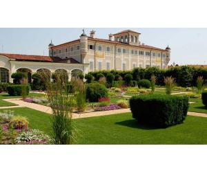 giardino corte castello di grosso realizzato da Paradello